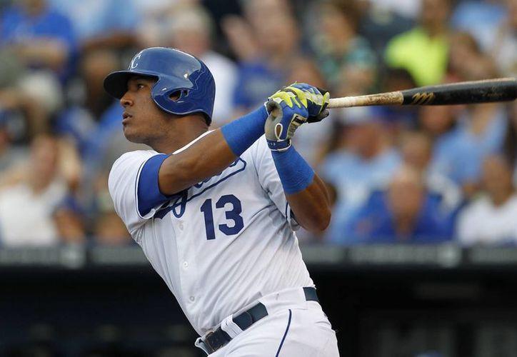 Salvador Pérez, de Dodgers, conectó un jonrón en el segundo inning del duelo ante Kansas City. (Foto. AP)