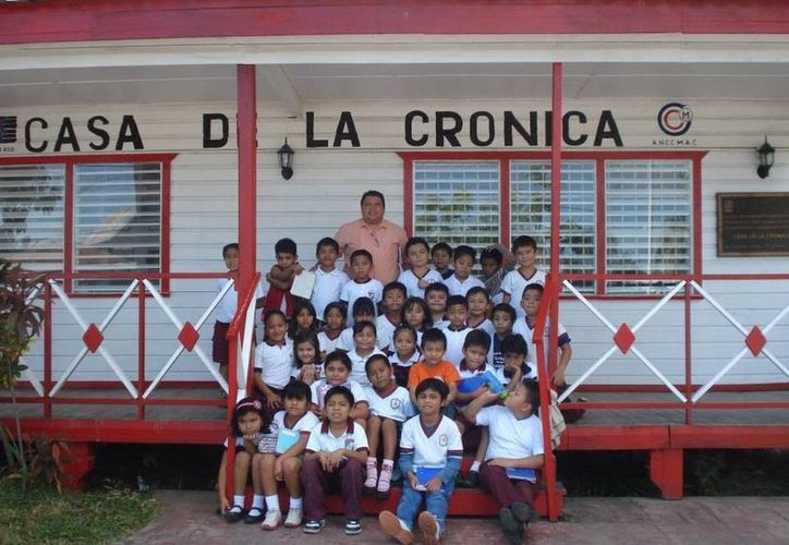 Decenas de estudiantes del nivel primaria han visitado las instalaciones de la Casa de la Crónica. (Jorge Carrillo/SIPSE)