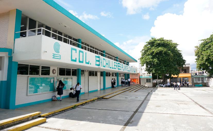 El gobierno federal ha retrasado la entrega del dinero al Colegio de Bachilleres de Quintana Roo. (Paola Chiomante/SIPSE)