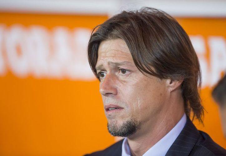 El argentino Matías Almeyda hizo oficial su salida como entrenador de Chivas. (Vanguardia MX)