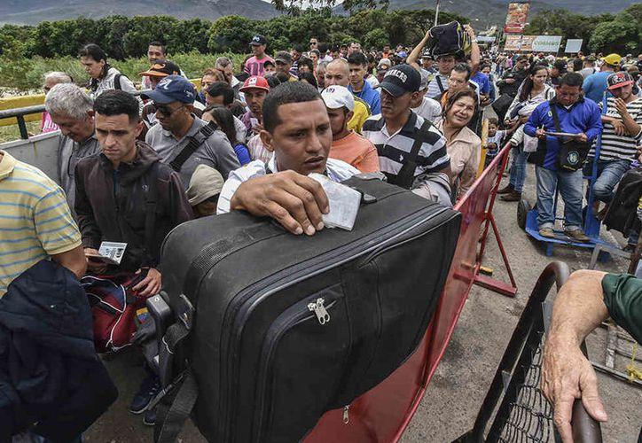 Más de 15 venezolanos salen cada hora de su patria en busca de oportunidades. (Foto: Acnur)