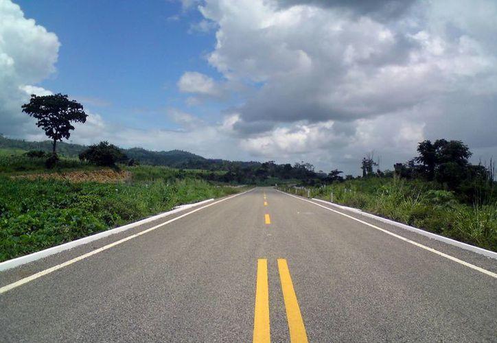 La SCT reporta un avance de 83% en el Programa de Conservación de la red carretera del Estado.  (Foto de contexto/Internet)