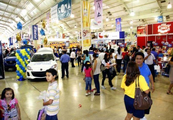Este año, la Expo Feria del Comercio tendrá 451 stands de diversos giros, desde pequeños artesanos del CDI, hasta compañías internacionales y agencias e automóviles. (Archivo/ Milenio Novedades)