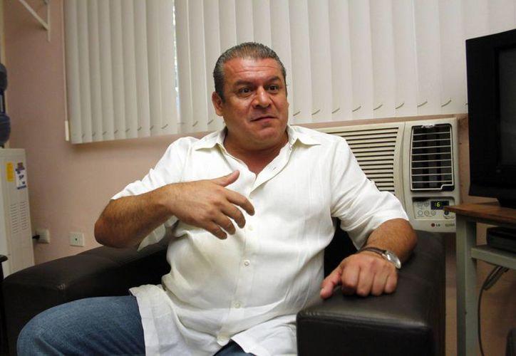 Alfredo Zmery de Alba, dirigente de la Sección 33 del SNTE, afirmó que mañana  algunos maestros comenzarán a cobrar sus aguinaldos. (Milenio Novedades)