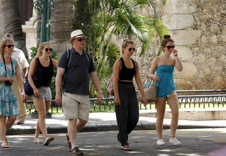 Hoteleros consideran de suma importancia para Yucatán, preservar las tradiciones y mostrarlas al turismo nacional e internacional. (SIPSE)