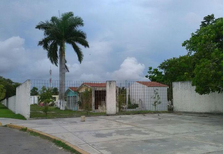 Los vecinos de la colonia Nuevo Progreso donde está el campo concesionado se quejaron de olores nauseabundos. (Joel Zamora/SIPSE)