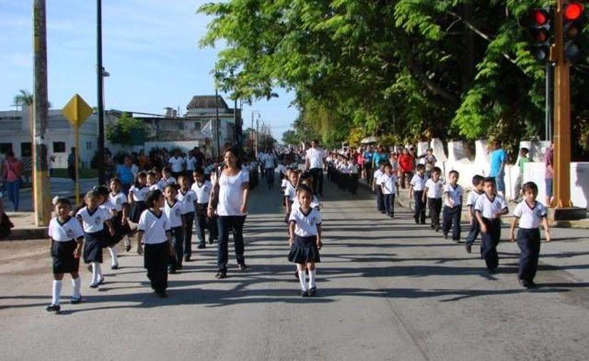 Autoridades comunicaron ayer la determinación de cancelar el desfile. (Archivo/SIPSE)