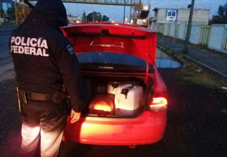 En las páginas de Facebook además se ofertan bidones para la gasolina, armas y vehículos que sirven para transportar la gasolina robada. (El Financiero)