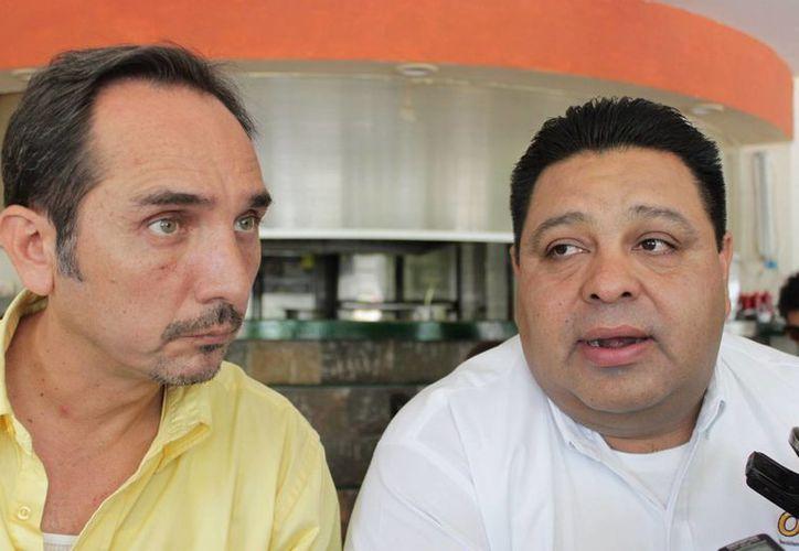Los candidatos del PRD durante una conferencia de prensa. (Adrián Barreto/SIPSE)
