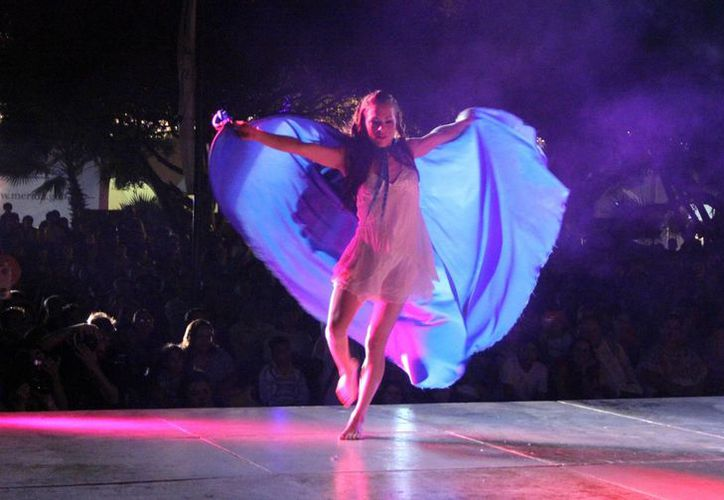 Como parte de 'La Noche Blanca' hubo veladas de danza contemporánea. (José Acosta/Milenio Novedades)