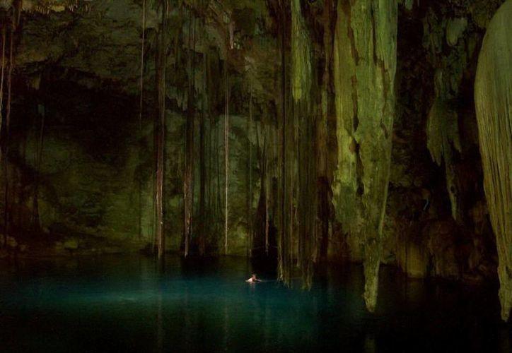 Aseguran que en el cenote Xkekén falleció una persona, cuya alma aún no descansa en paz. (Jorge Moreno/SIPSE)