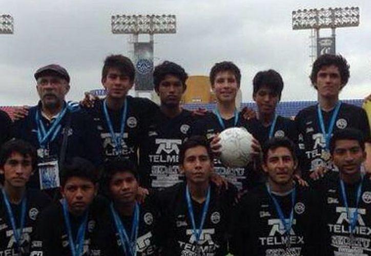 El equipo representativo Yucatán, <i>Jaguares de la UADY</i>, llegó a la final tras empatar en su debut y ganar los demás juegos. (Milenio Novedades)