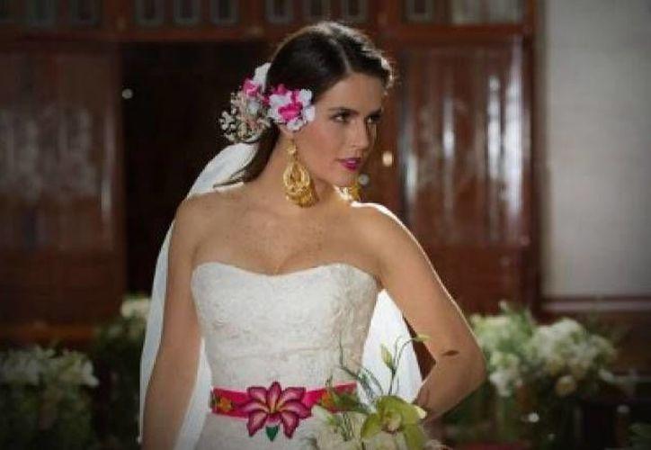 La actriz Claudia Alvarez, se encuentra afinando los detalles de su enlace matrimonial con el productor Billy Rovzar. (Notimex)