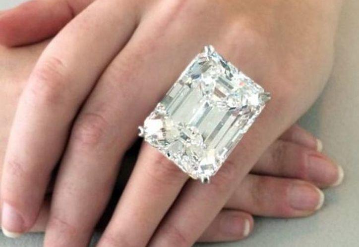 El gran diamante tiene unos diez años de haber sido extraído de una mina en el sur de África. (Instagram/Shoteby's)