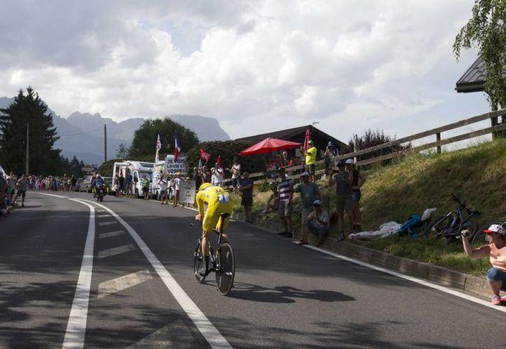 Cuando solo faltan tres etapas para que concluya el Tour de Francia 2016, el británico Chris Froome continúa como líder indiscutible. (Fotos: AP)