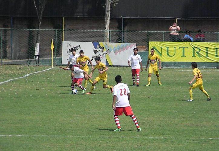 Los Pioneros fueron vencidos con un marcador de 3-1. (Ángel Mazariego/SIPSE)