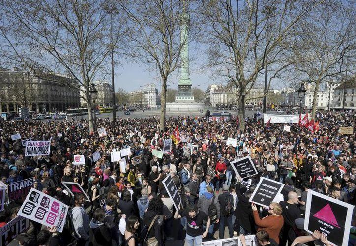 """Señalan que la manifestación """"es por el futuro de los niños"""". (EFE)"""