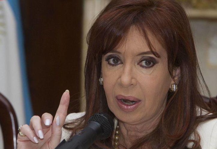 El gobierno argentino rechazó la denuncia de intentos de encubrimiento de presuntos terroristas iraníes que el fallecido fiscal Alberto Nisman realizó en contra de la presidenta Cristina Fernández. (Archivo/EFE)