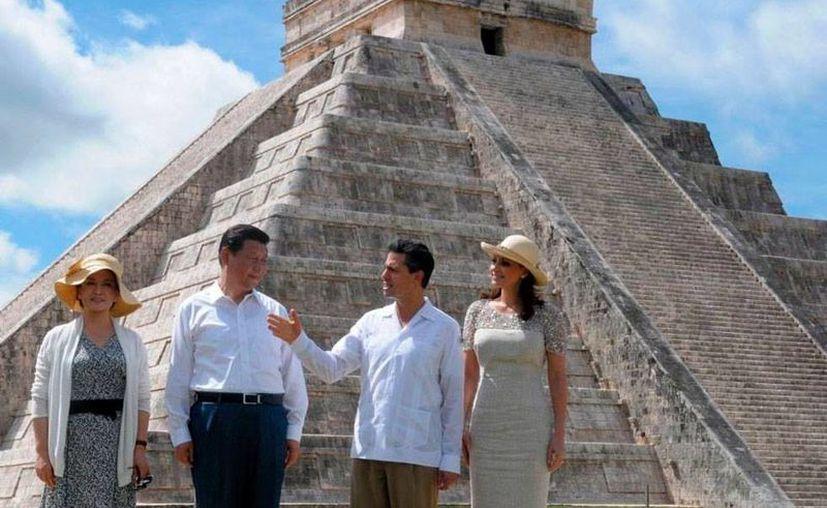 En 2013,  el presidente Peña Nieto y el premier chino, Xi Jinping, estuvieron en Chichén Itzá. Durante esa gira, el premier chino y el mandatario mexicano brindaron con tequila, en una imagen simbólica que significó la apertura del mercado asiático a la bebida mexicana. (SDP/Archivo)