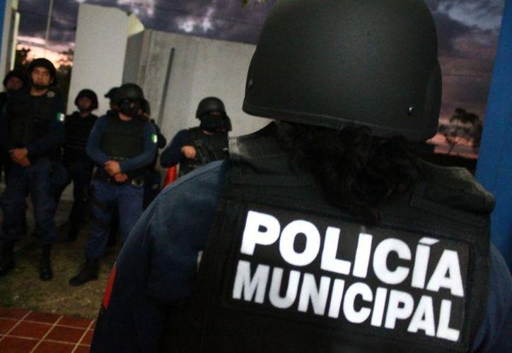 Los policías entran sin que se conozca los resultados de sus exámenes de confianza obligatorios y son reclutados de diferentes frentes poco confiables. (Redacción/SIPSE)