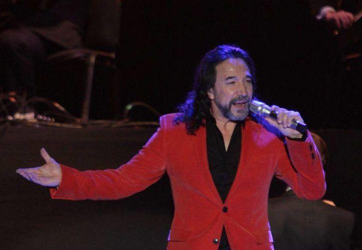 Marco Antonio Solís se encuentra celebrando 40 años de trayectoria en los escenarios, con una gira por Estados Unidos y México. (Notimex)