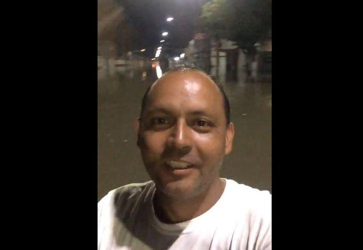 El video fue subido a las redes sociales por Álvaro Ramón González y en minutos alcanzó más de 200 mil vistas y ha sido compartido más de 5 mil veces. (Captura de pantalla/ Facebook)