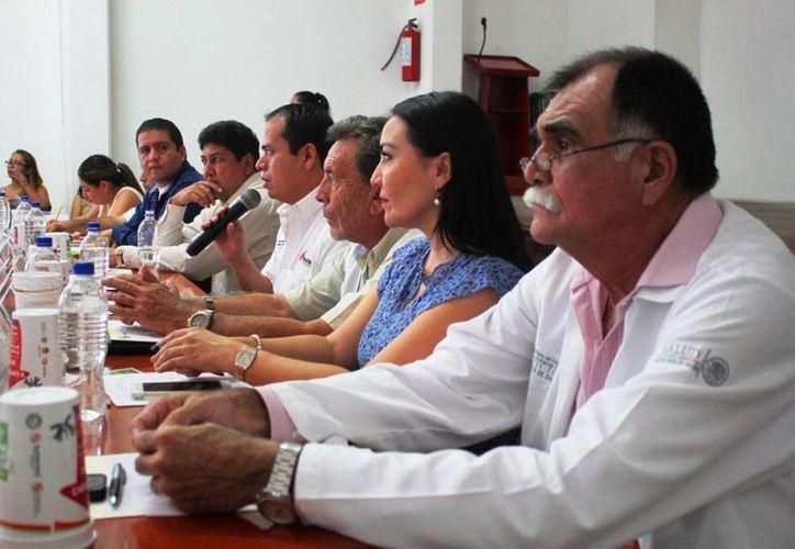 Responsables en materia turística solicitan a las autoridades de salud, un comunicado donde se garantice lo dicho durante la sesión. (Daniel Pacheco/SIPSE)