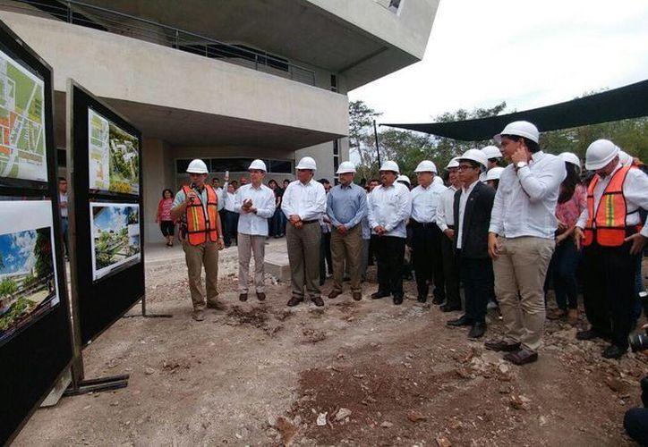 En febrero pasado, diversas autoridades dieron el banderazo para la construcción de la segunda etapa del complejo. (FCA)