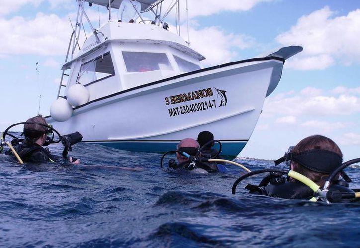 """La embarcación """"Tres Hermanos"""" que se hundió en la zona sur de la isla. (Redacción/SIPSE)"""