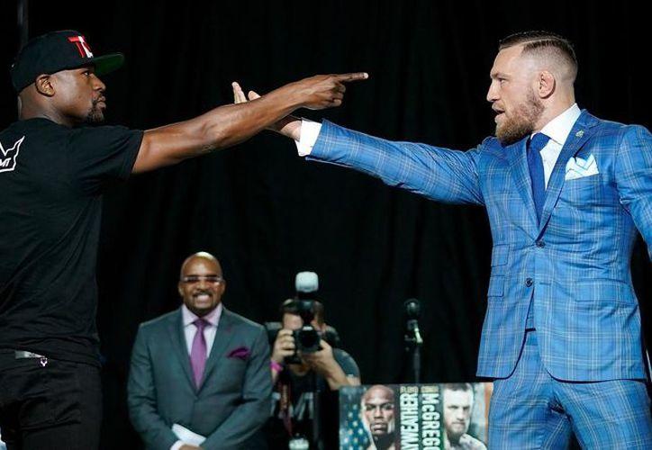 Floyd podría hacer un trato por tres o cuatro peleas contra el irlandés McGregor. (Foto: Univision)