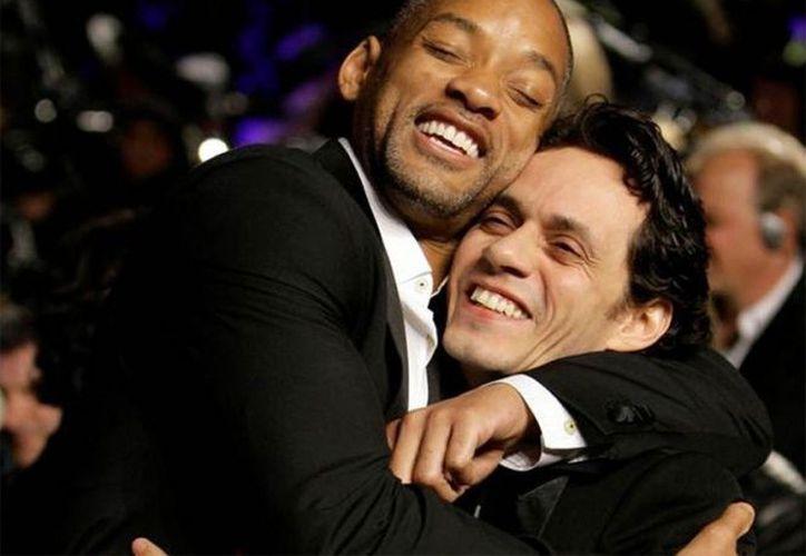 Smith y Anthony bailan uno al lado del otro ''Vivir mi vida''. (Tiempo Digital)