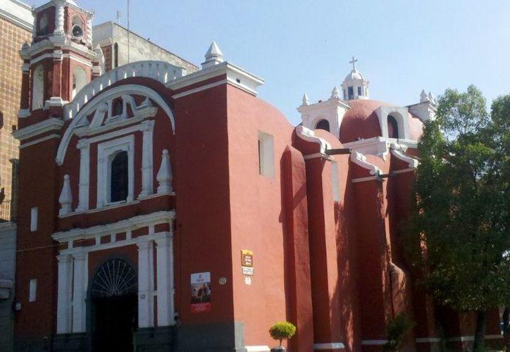 La iglesia está a cargo del párroco Víctor Morales, ubicada en el Bulevar 5 de Mayo, esquina con la 10 Oriente. (El Debate)