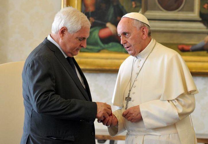 Además de reunirse con Ricardo Martinelli, el Papa anticipó que viajará a Sudamérica de nuevo, pero no antes de 2016. (Agencias)