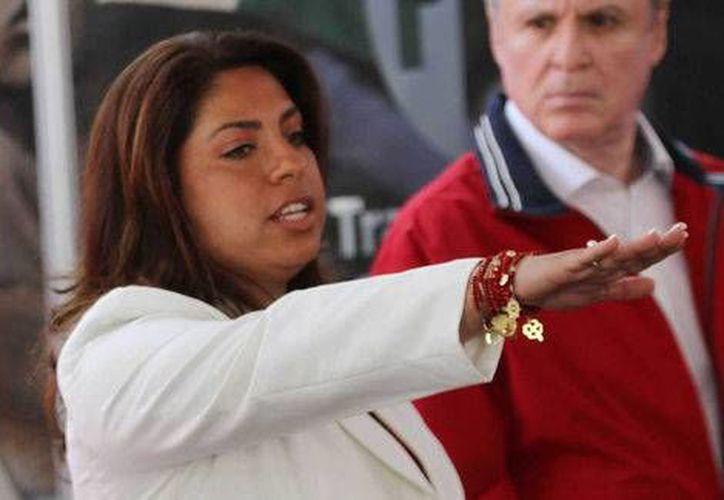 Elisa Ayón se vio envuelta en un escándalo por una conversación sobre corrupción al interior de la Dirección de Panteones local. (Milenio)