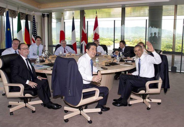 Integrantes del Grupo de los Siete países más industrializados durante una reunión de trabajo, en Shima, Japón. (AP)