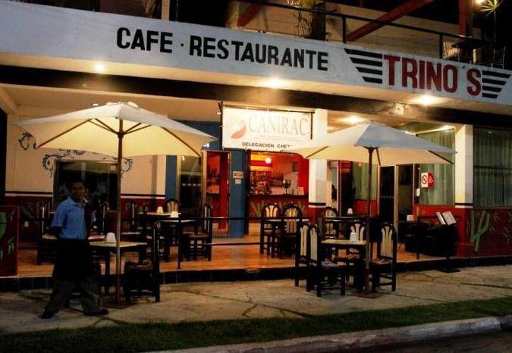 Cada término de temporada vacacional, las ventas de los restauranteros se desploman. (Javier Ortiz/SIPSE)