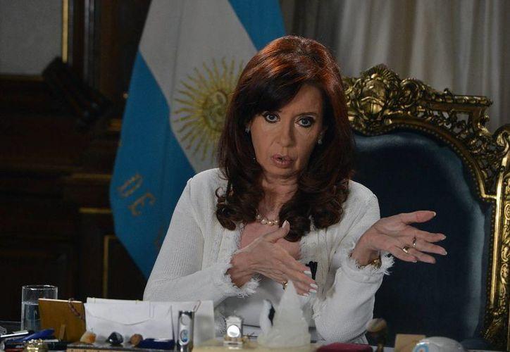 La presidenta Cristina Fernández pidió estar atentos a los avisos de 'estallido social' hechos por sindicatos opositores. (EFE/Archivo)
