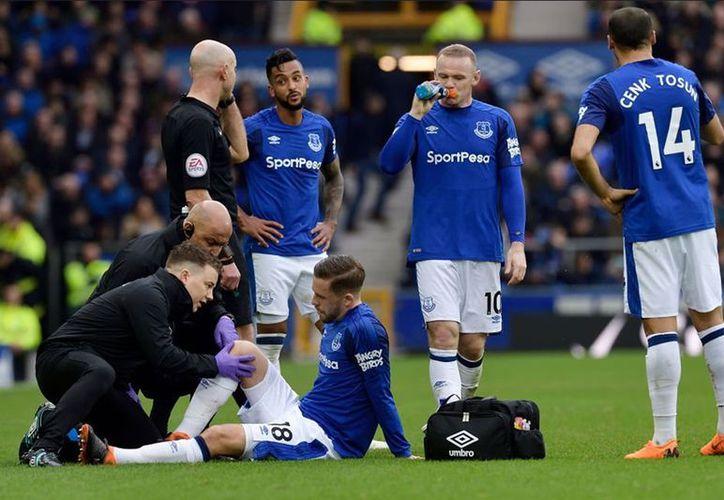 Gylfi Sigurdsson, la figura del equipo, se lesionó la rodilla. (La Nación)