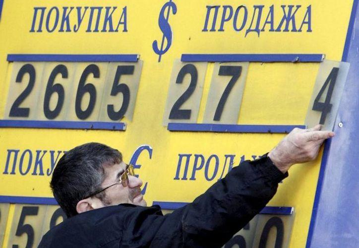 En diciembre pasado, el rublo ruso cayó a su peor nivel desde 1998. (EFE/Archivo)