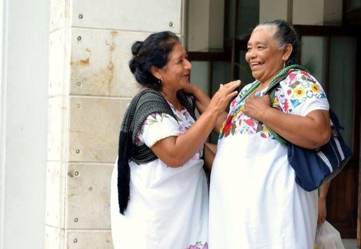Según datos del INEGI, la lengua maya es hablada por poco más de 780 mil personas en todo México.(Archivo/SIPSE)
