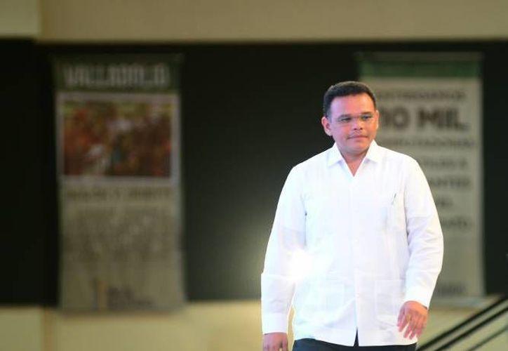 La estrategia de transmitir el IV Informe del gobernador Rolando Zapata a través de redes sociales, televisión y radio, es parte de las medidas de austeridad que se han tomado en las últimas semanas. (Archivo/ Milenio Novedades)