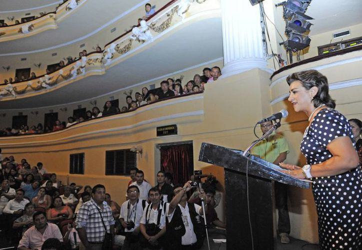 La presidenta del DIF Yucatán, Sarita Blancarte de Zapata, durante su discurso en el evento. (SIPSE)