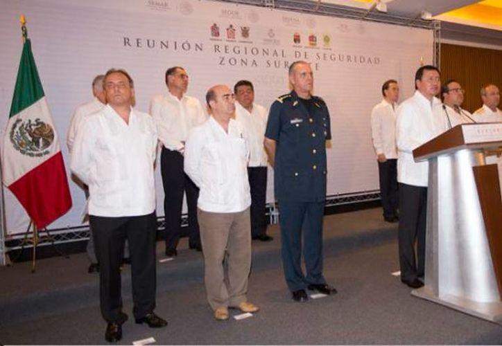 Osorio Chong ofreció una conferencia de prensa al término de la Regional de Seguridad. (twitter.com/osoriochong)