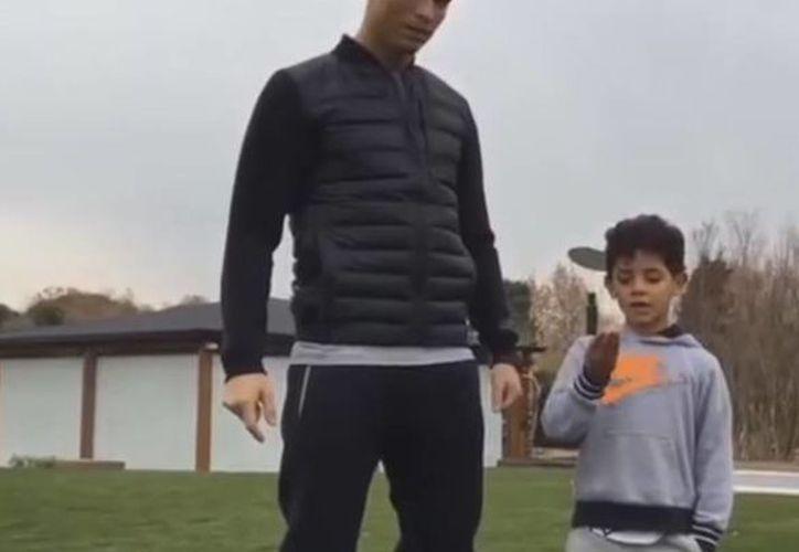 Cristiano Ronaldo compartió el momento a sus fans, por medio de un video que subió a las diversas redes sociales.(Captura de pantalla)