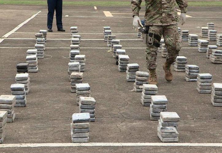 El decomiso de más de una tonelada de cocaína por unidades del Senan tuvo lugar al Suroeste de la Isla Montuosa en el litoral Pacifico. (EFE/Archivo)