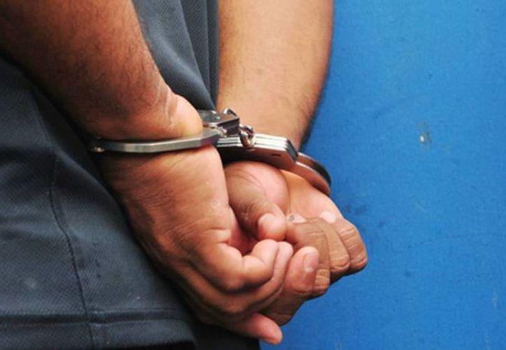 El detenido enfrenta dos delitos y tendrá que responder por ellos ante un juez penal. (SIPSE/contexto)