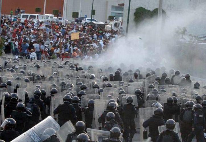 Los problemas del gobierno de Guerrero con maestros (foto) y la CRAC se han agravado. (SIPSE/Archivo)
