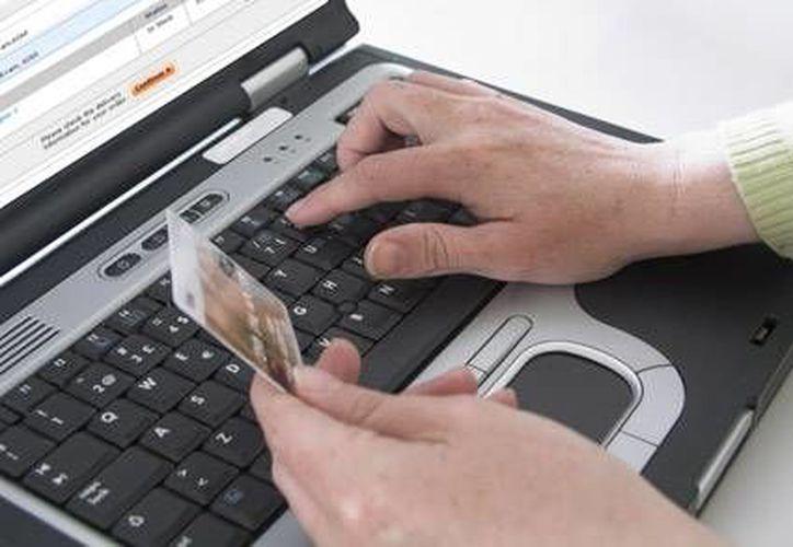 Realizar compras solo cuando estés conectado al Wi-Fi de tu casa o de algún conocido, es una de las medidas de seguridad. (Contexto/Internet)