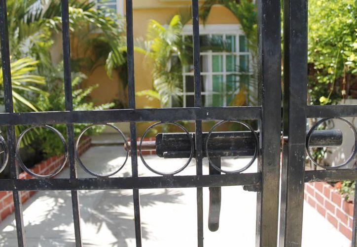 El adquirir un seguro para una vivienda no sólo puede funcionar en caso de huracanes, sino también para incendios. (Israel Leal/SIPSE)