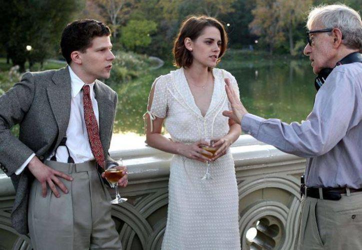 'Cafe Society' es la película primera película de Woody Allen para Amazon y con ella arrancará mañana el Festival de Cannes. (social-news.it)